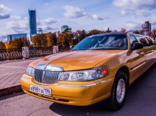 Лимузин Lincoln Town Car Gold 8 мест